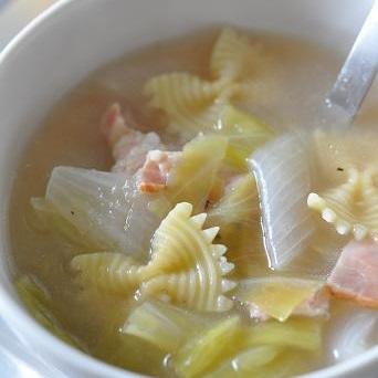 畑のおだしで春野菜のとろとろスープ
