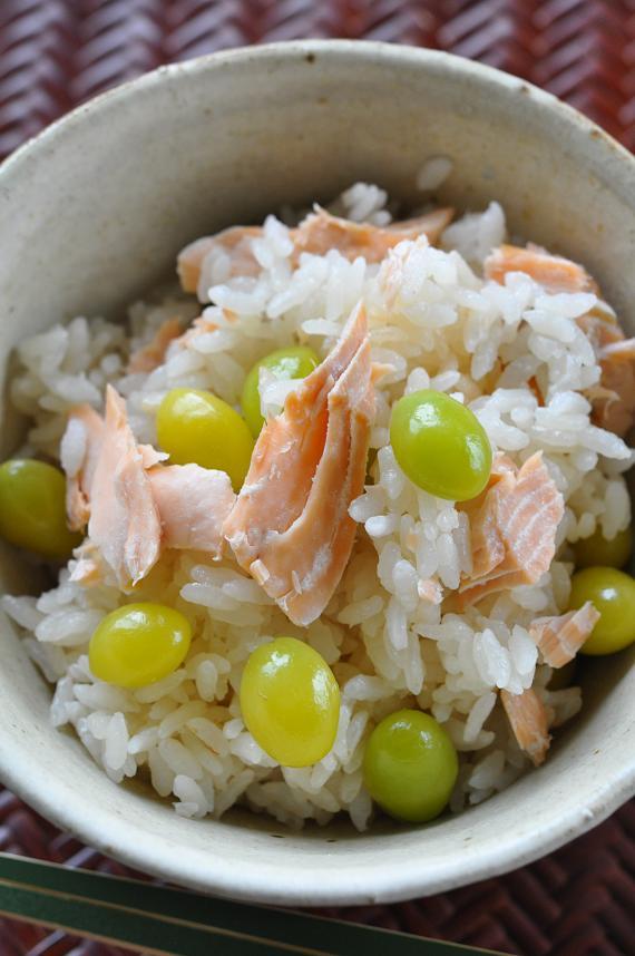 秋鮭とぎんなんの炊き込みご飯