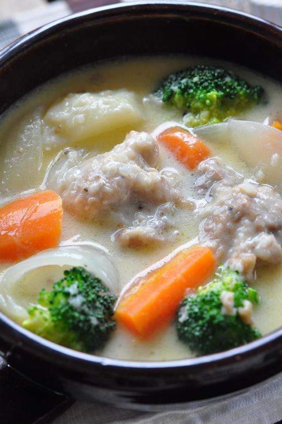 ゴロゴロ野菜と鶏のミルクシチュー