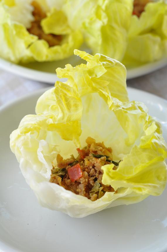 12種類の乾燥野菜入り肉そぼろのレタス包み