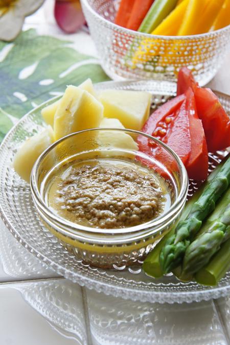 野菜の旨みバーニャカウダーソース