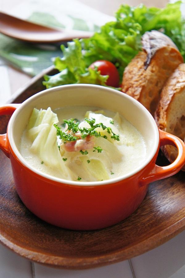 キャベツの豆乳スープ